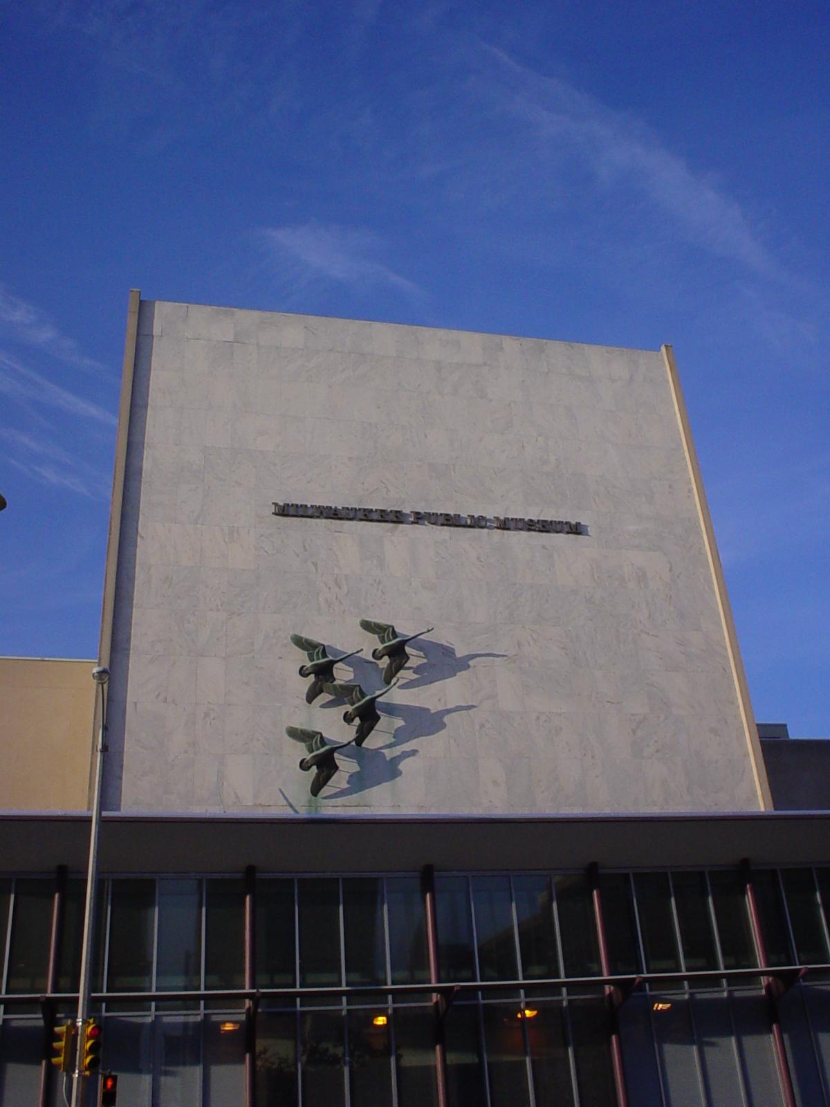 MilwaukeePublicMuseum.jpg