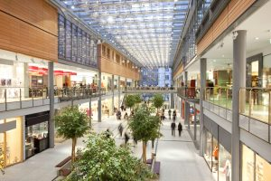 iStock-182408547-mall-real-estate-retail-300x200